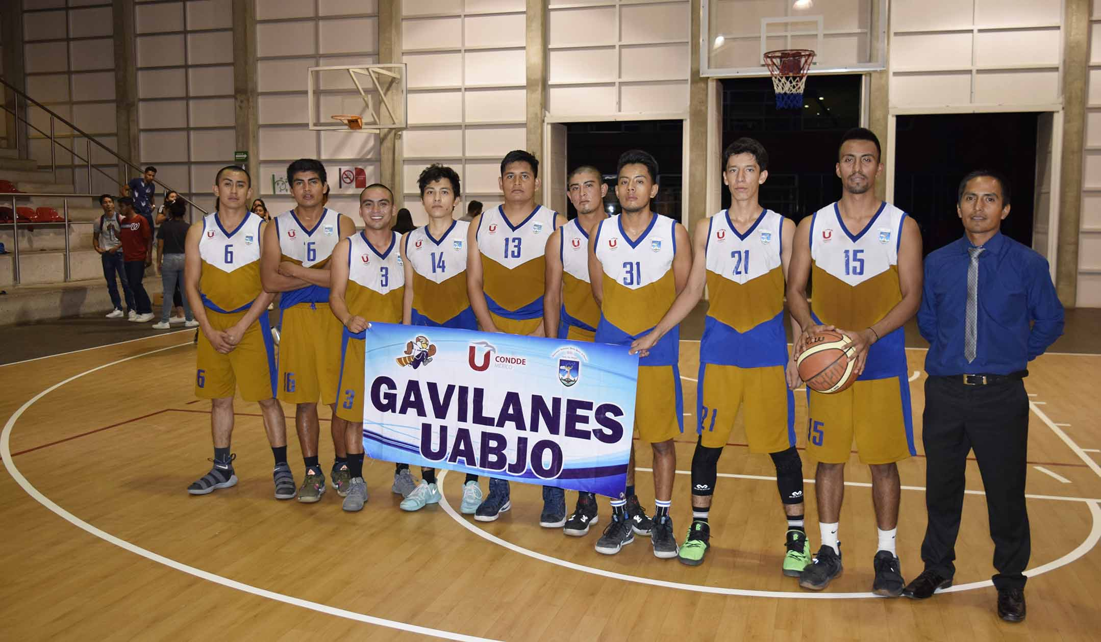 Gavilanes basquetbol campeones