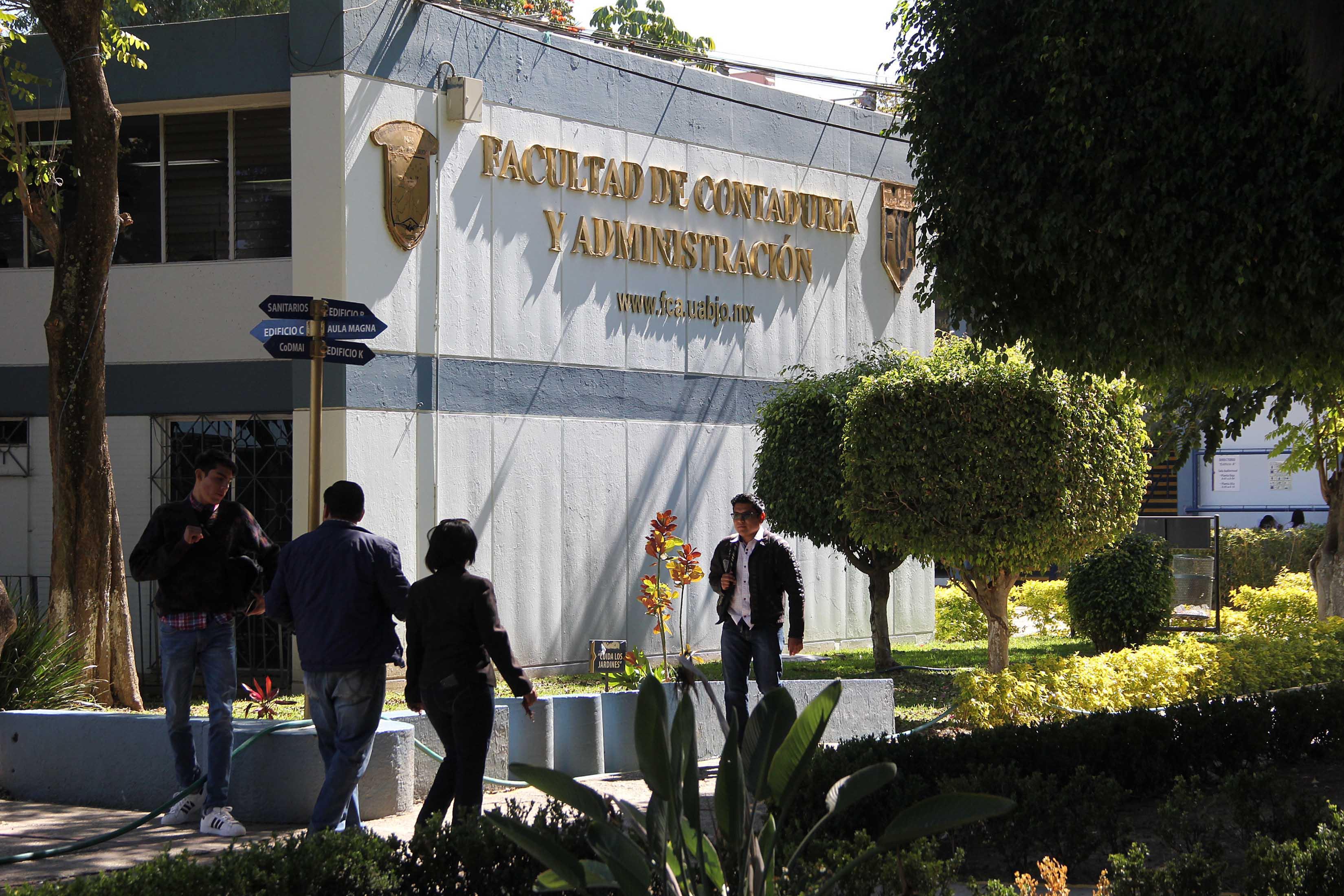 FACULTAD DE CONTADURIA Y ADMINISTRACION